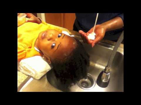 How to Wash a Toddler's Natural Hair?