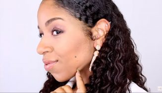 The Wet Look: How MoKnowsHair Creates Gorgeously Defined Curls Using Her Collection