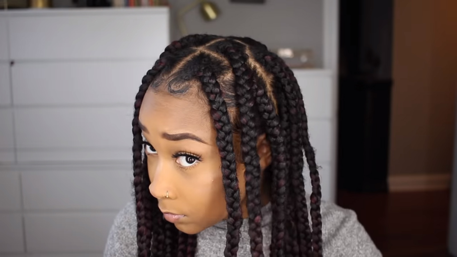 Two Simple Ways To Make Jumbo Knotless Braids For Beginners African American Hairstyle Videos Aahv Simply put, knotless braids don't have the traditional knot you likely grew up with at the start of each braid. two simple ways to make jumbo knotless